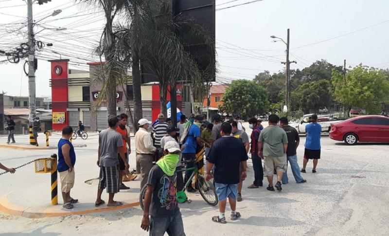 Mototaxistas de la López Arellano exigen alimentos