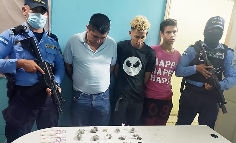 Detienen a tres integrantes de una banda dedicada al tráfico de droga