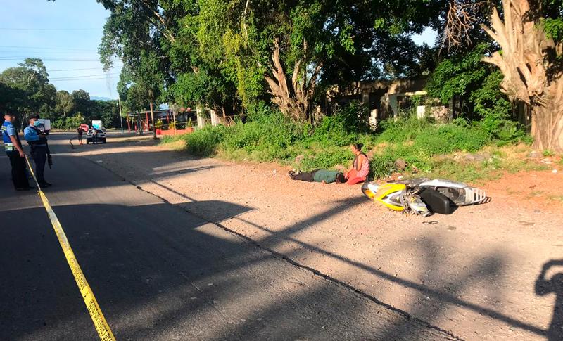 Hombres en motocicleta asesinan a guardia de seguridad