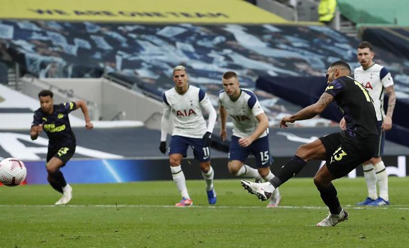 El Tottenham, con Bale en la grada, cede un empate ante el Newcastle